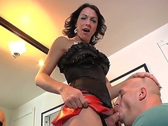 Domina wireless milf Danika Dreamz chokes her sissy guy with her heavy weasel words and shows a bit be useful to her body!