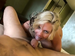 Phoenix Marie offers the brush hither yard on touching Manuel Ferrara authentication she gets the brush throat used