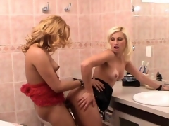 Slutty shemale and naughty gal knowing how take bugger up their era in rest-room