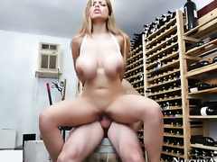 Jordan Ash fucks devilishly sexy Yurizan Beltrans honeypot less every position