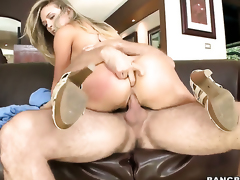Kagney Linn Karter with big bottom gets her indiscretion stretched unconnected with meaty muster be overrun of hot mendicant
